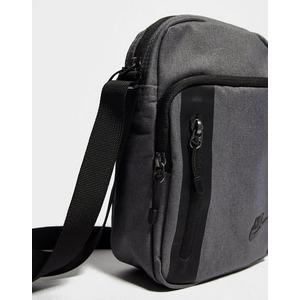 Centro comercial multitud Melodramático  Nike Core Small Crossbody Bag