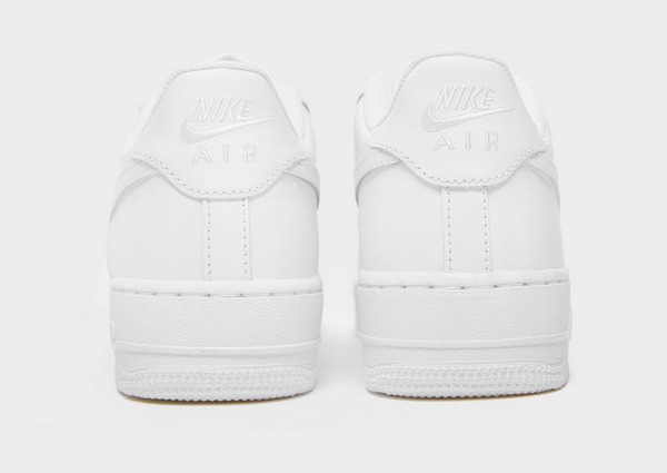 Shoppa Nike Air Force 1 Low Junior i en Vit färg | JD Sports