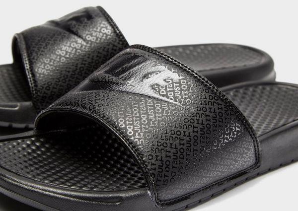 780c44ff424 Nike Benassi Slides