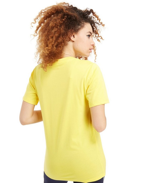 Køb Fila Boyfriend Logo T Shirt Dame i Gul | JD Sports