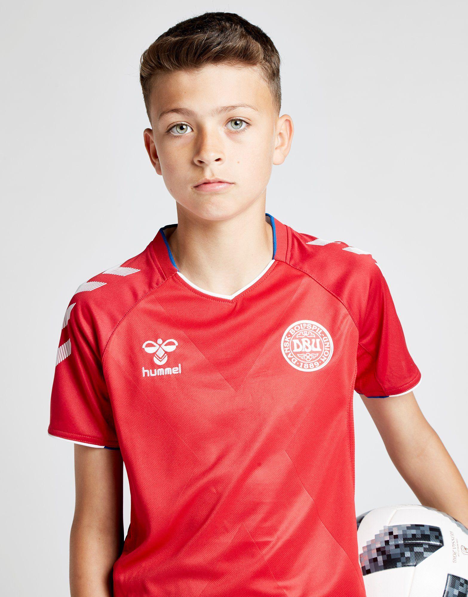 Hummel Denmark 2018/19 Home Shirt Junior