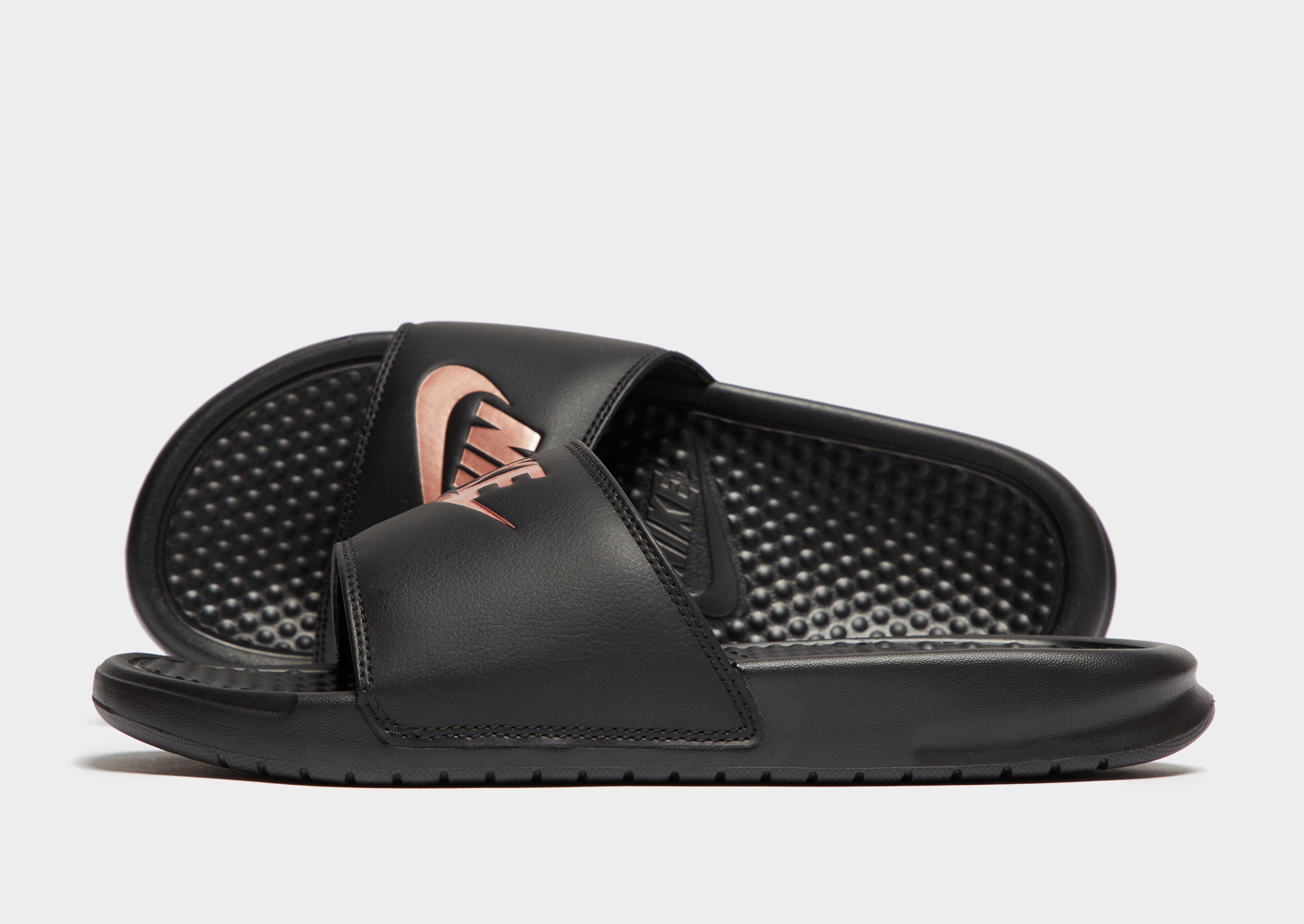 chupar Énfasis anfitrión  Compra Nike Benassi Just Do It Slides Women's en Negro