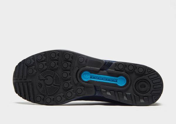 sports shoes bf8a5 6baa5 adidas Originals ZX Flux