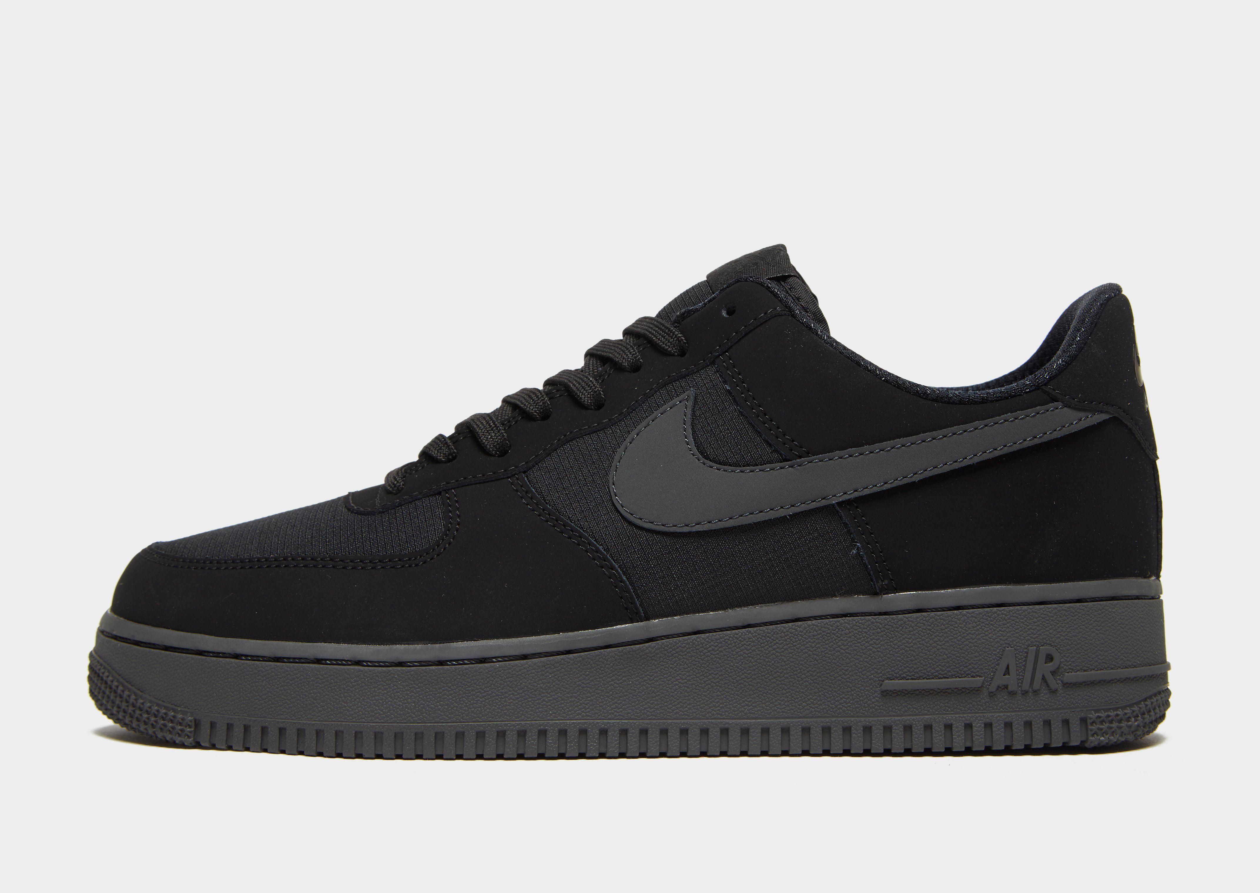 Nike Air Force 1 Essential Low