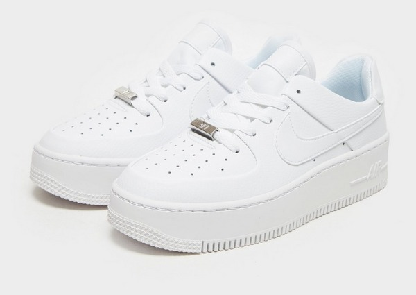 Compra Nike Air Force 1 Sage Low en Blanco | JD Sports