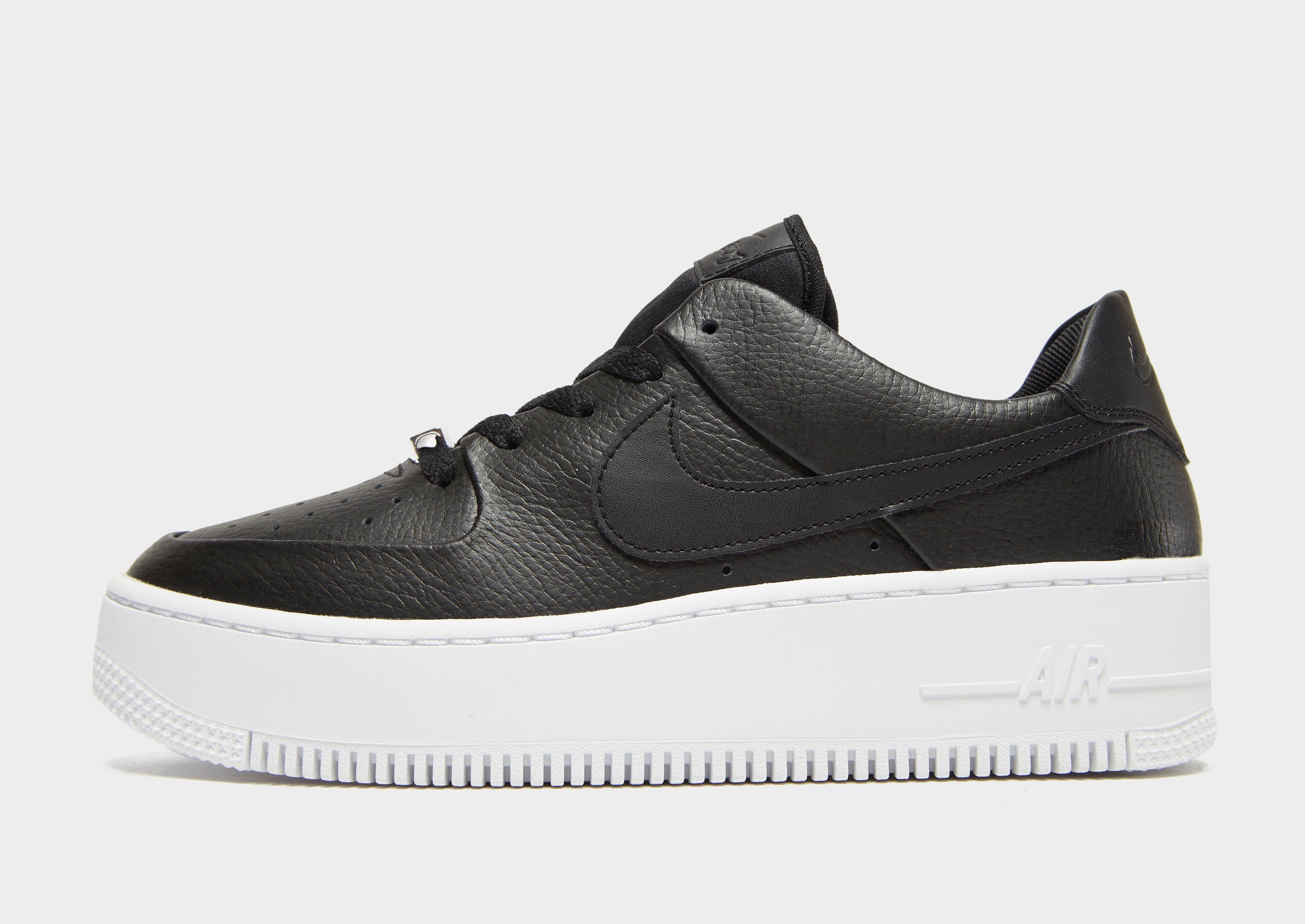 16866bce6 Nike Air Force 1 Sage Low Women s