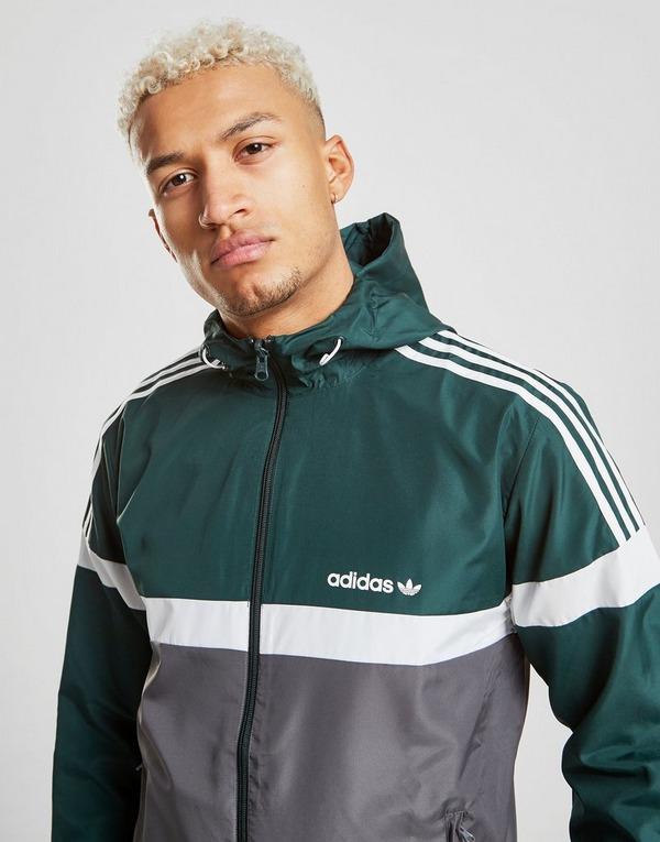 Shop den adidas Originals Itasca Reversible Jacket in Grün