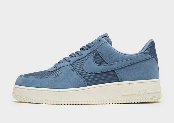 Shoppa Nike Air Force 1 '07 Low Essential Herr i en Svart