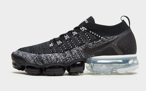 differently 5d5c3 c184c Air VaporMax Flyknit 2