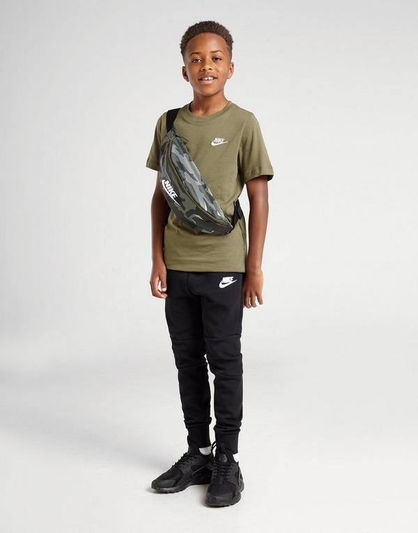 Shoppa Nike Tech Träningsbyxor Junior i en Svart färg