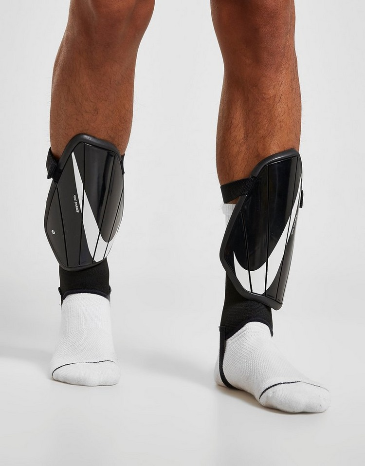 Nike Caneleiras Charge