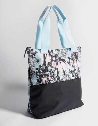 NIKE Nike Radiate Women's Training Floral Tote Bag