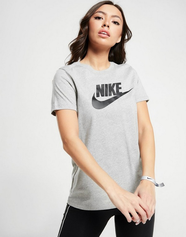 Nike T-Shirt Manches Courtes Essential Futura Femme