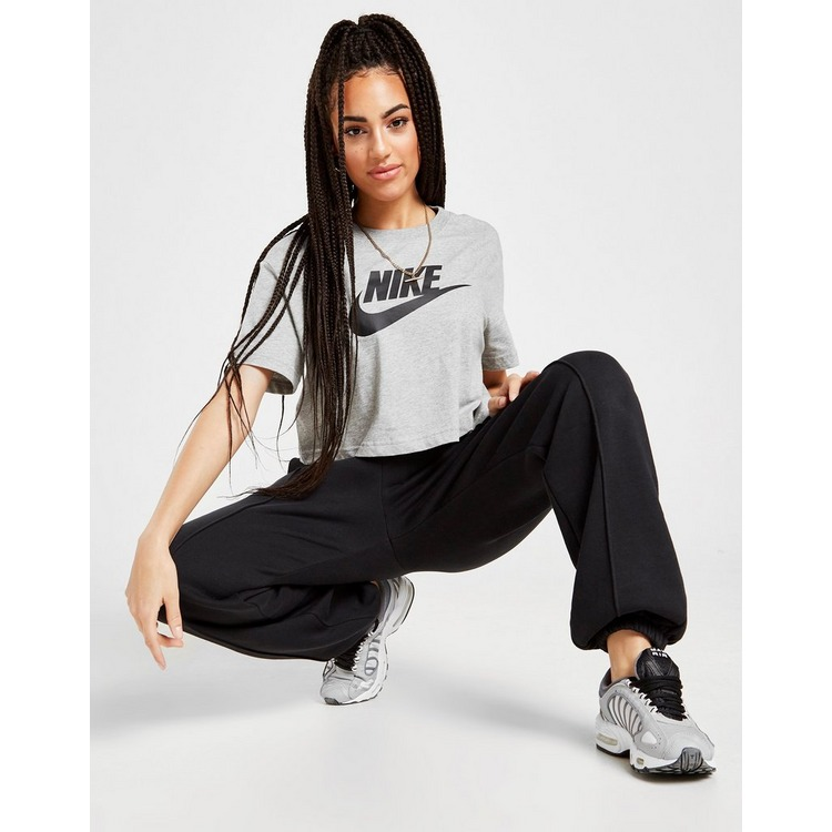 Nike Essential Futura Crop T-Shirt Dames