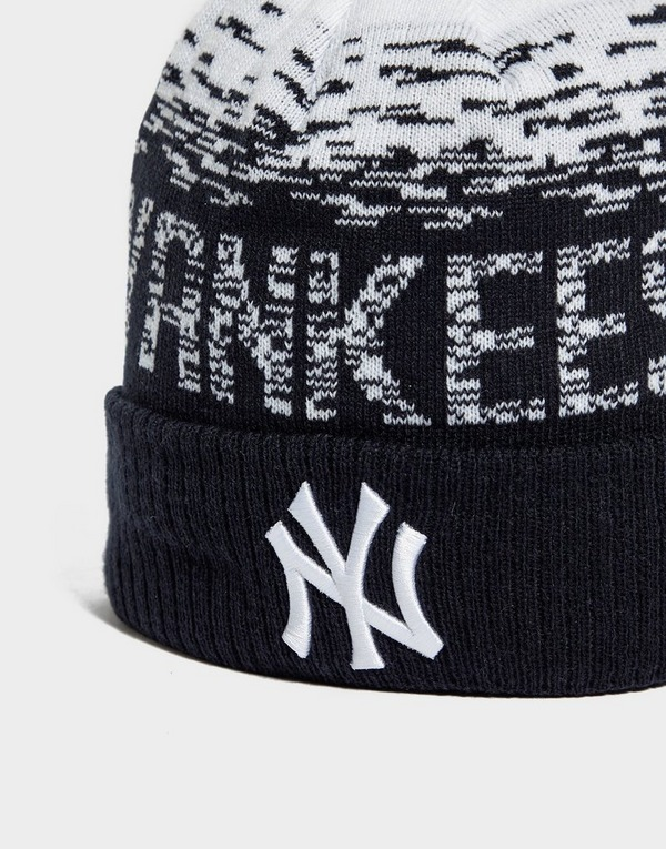 New Era MLB Sideline New York Yankees Pom Beanie