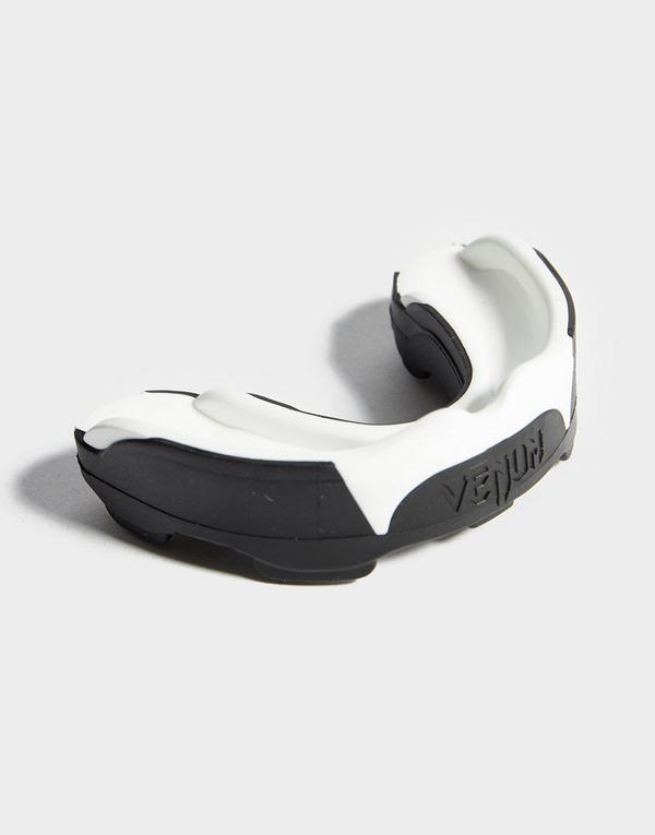 sulle immagini di piedi di carino economico codice coupon Venum Predator Mouthguard | JD Sports