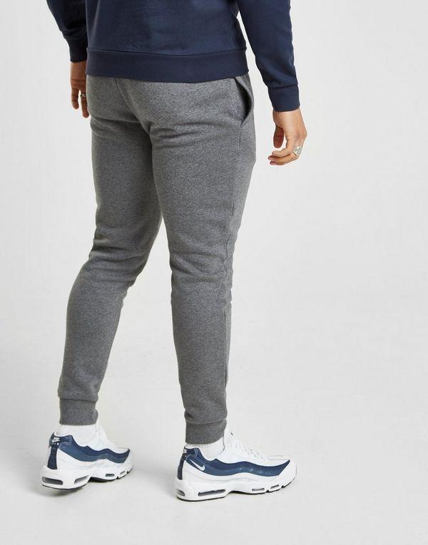 d6c4e2ce864a Emporio Armani EA7 pantalón de chándal Core Fleece | JD Sports