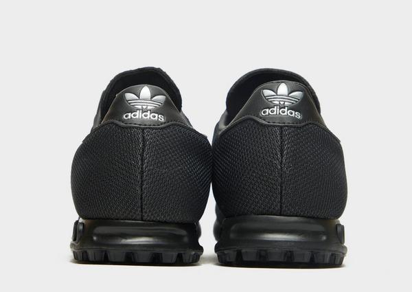 Shoppa adidas Originals LA Trainer Woven Herr i en Svart färg