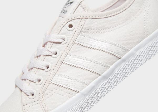 Shoppa adidas Originals Honey Lo Dam i en Brun färg | JD