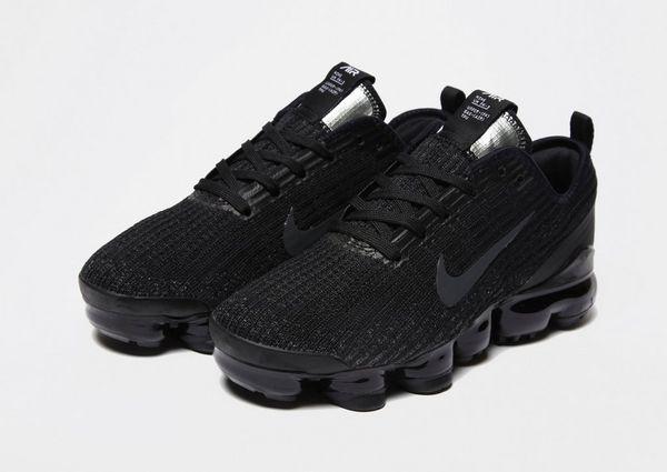 hot sale online e3043 168e2 Nike Air VaporMax Flyknit 3 Older Kids' Shoe | JD Sports