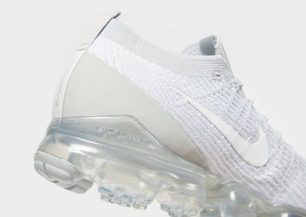 brand new fc1d0 862e0 Nike Air VaporMax Flyknit 3 | JD Sports