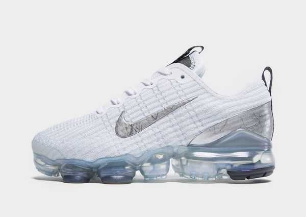 new arrival a664e 86f3a Nike Air VaporMax Flyknit 3 Older Kids' Shoe