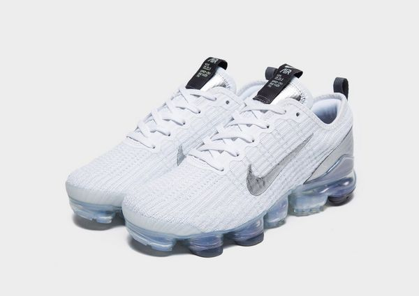 hot sale online dbb33 77502 Nike Air VaporMax Flyknit 3 Older Kids' Shoe | JD Sports