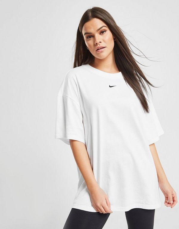 f4b35c6f1 Nike Essential Boyfriend T-Shirt | JD Sports