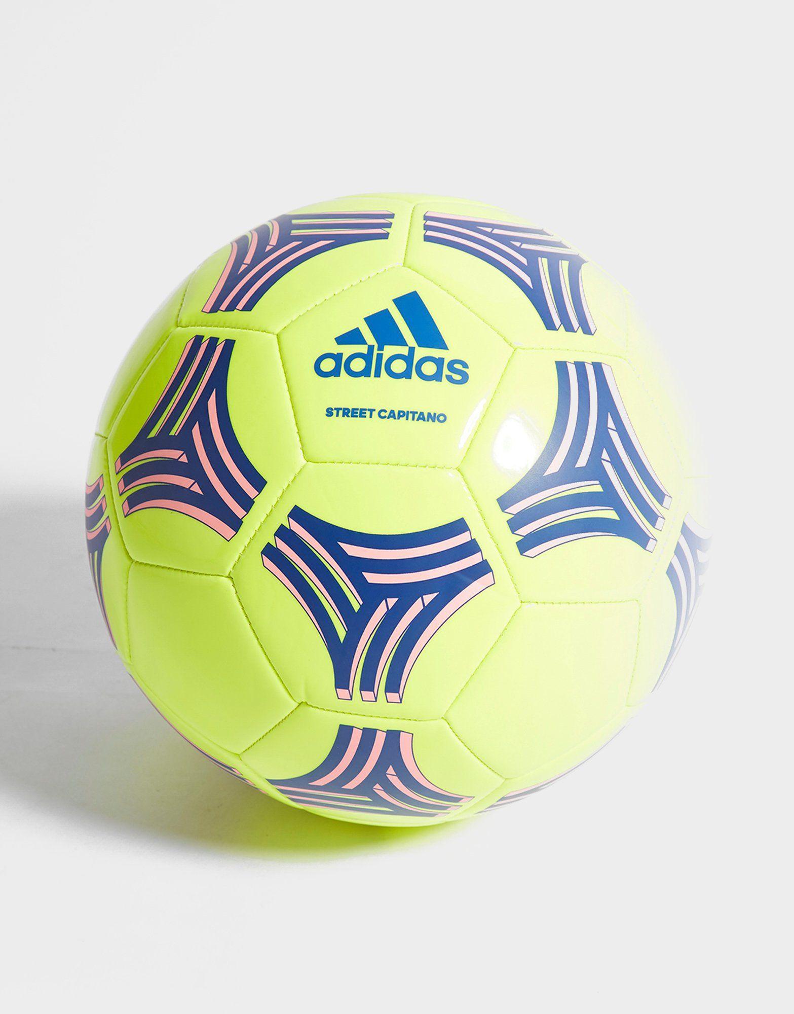 adidas Tango Street Capitano Football