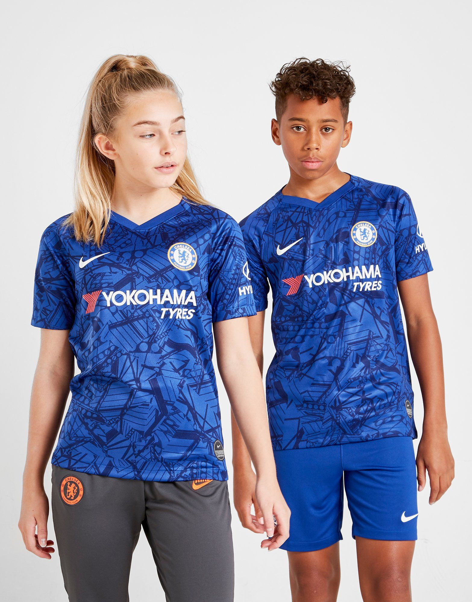 e44d2920338 Nike Chelsea FC 2019 Home Shirt Junior