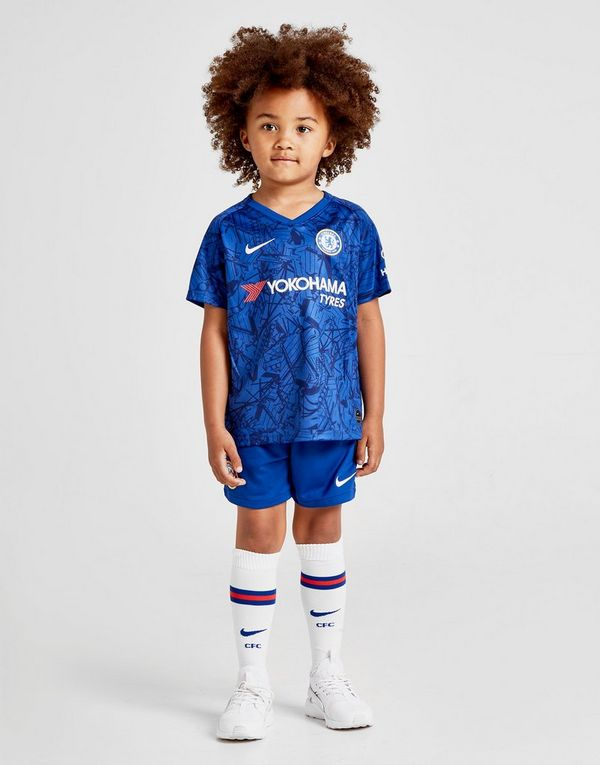 super popular 3fecd 70813 Nike Chelsea FC 2019/20 Stadium Home Younger Kids' Football ...
