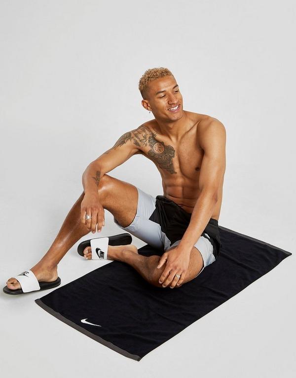 Nike toalla grande Fundamental