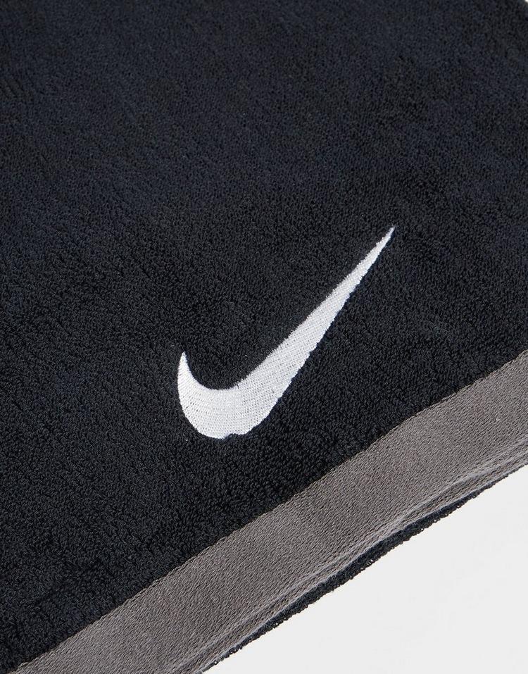 Nike Large Fundamental Handtuch