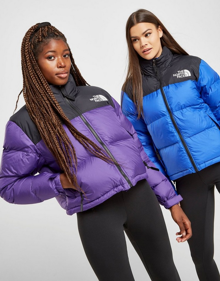 Shop den The North Face Cropped Nuptse Jacket in Lila | JD ...