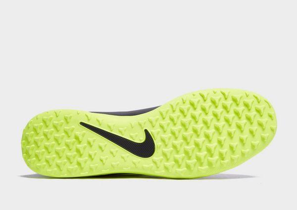 Nike Under the Radar Phantom Venom Club TF