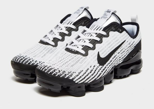 hot sale online 6bd04 60377 Nike Air VaporMax Flyknit 3 Older Kids' Shoe | JD Sports