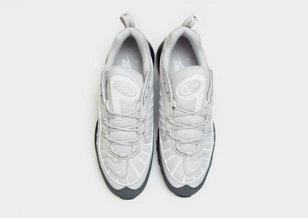 Shoppa Nike Air Max 98 SE Herr i en Grå färg | JD Sports Sverige