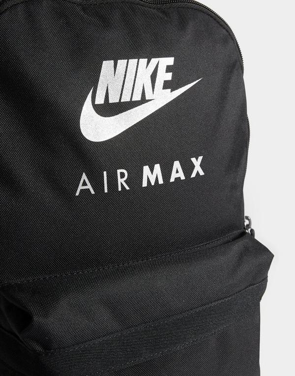 Shop den Nike Air Max Logo Ruckack in Black   JD Sports