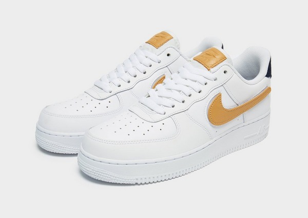 Acquista Nike Air Force 1 '07 LV8 in Bianco | JD Sports