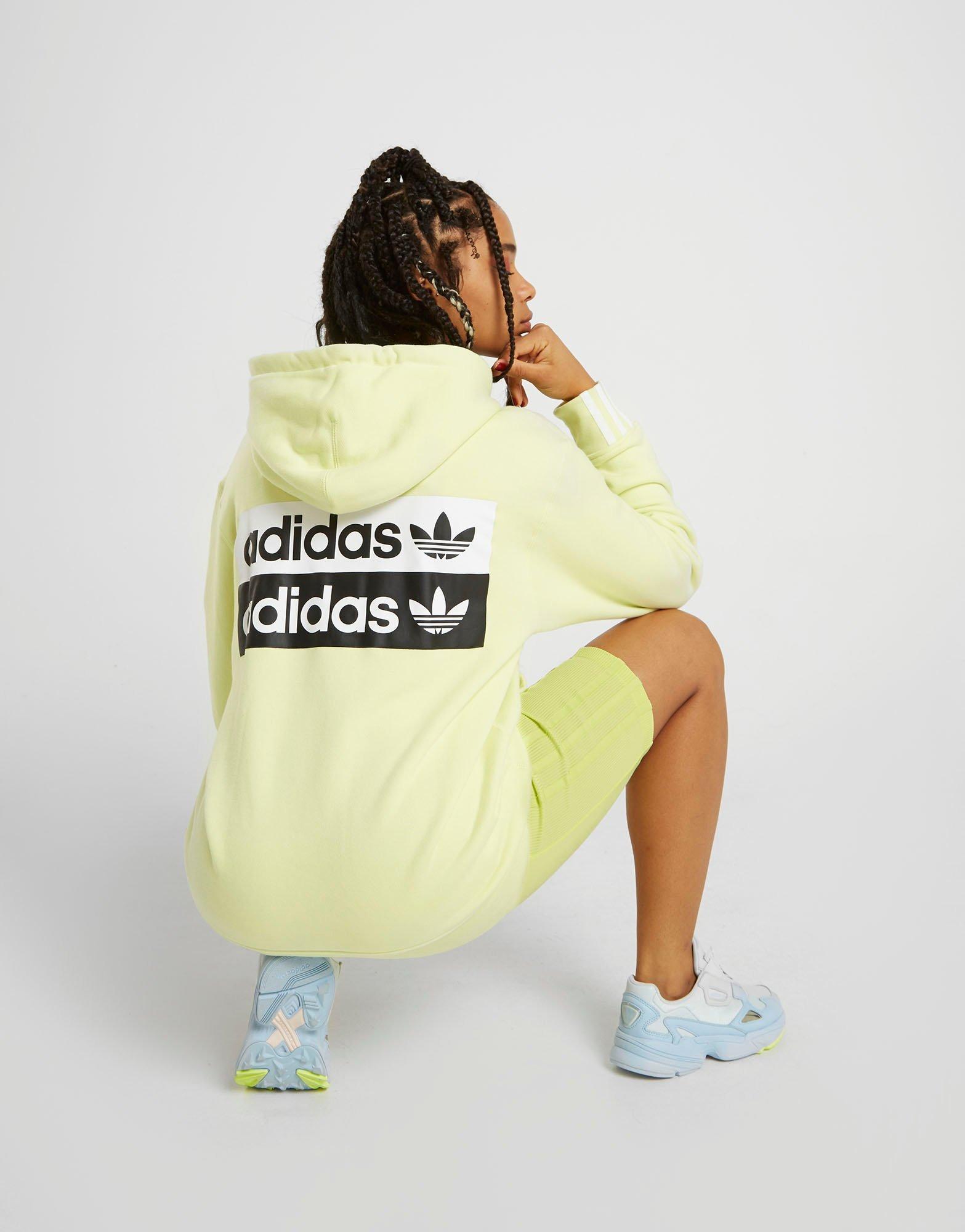 Køb adidas Originals Overhead Taped Hoodie Dame i Gul   JD