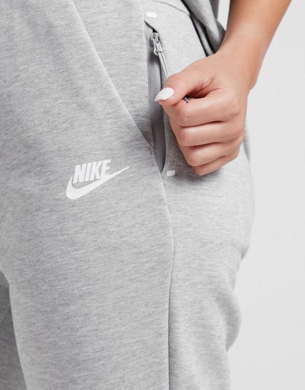 Shop den Nike Tech Fleece Jogginghose Damen in Grey | JD Sports