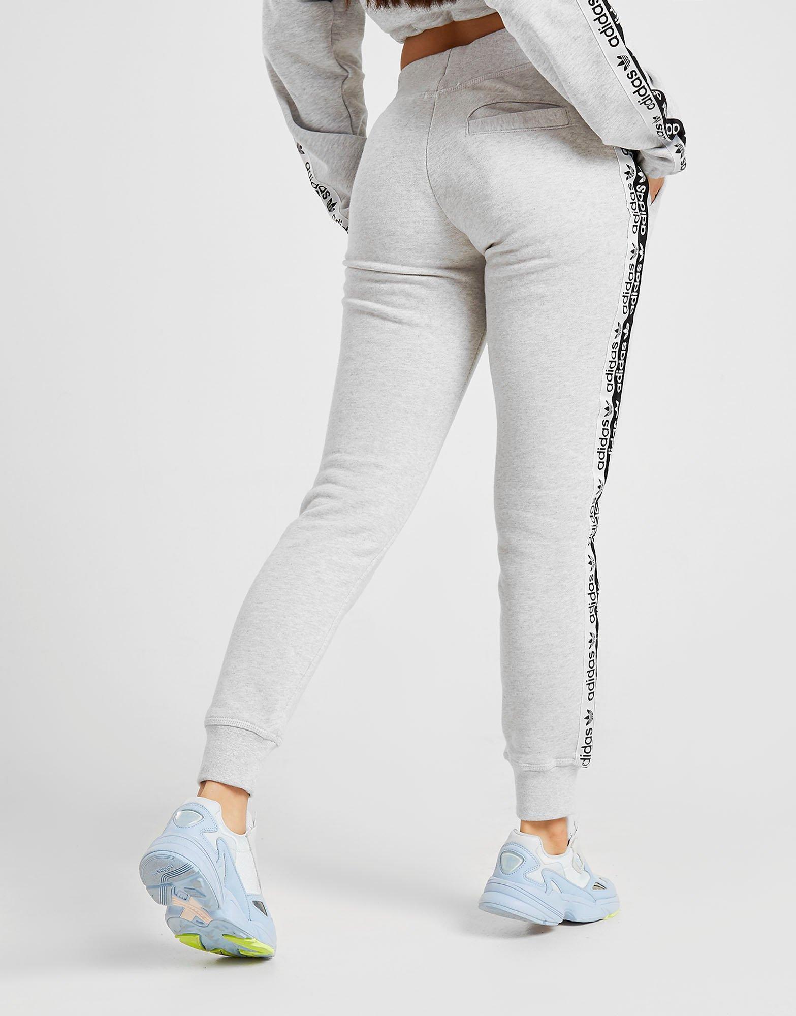 ensemble adidas gris femme