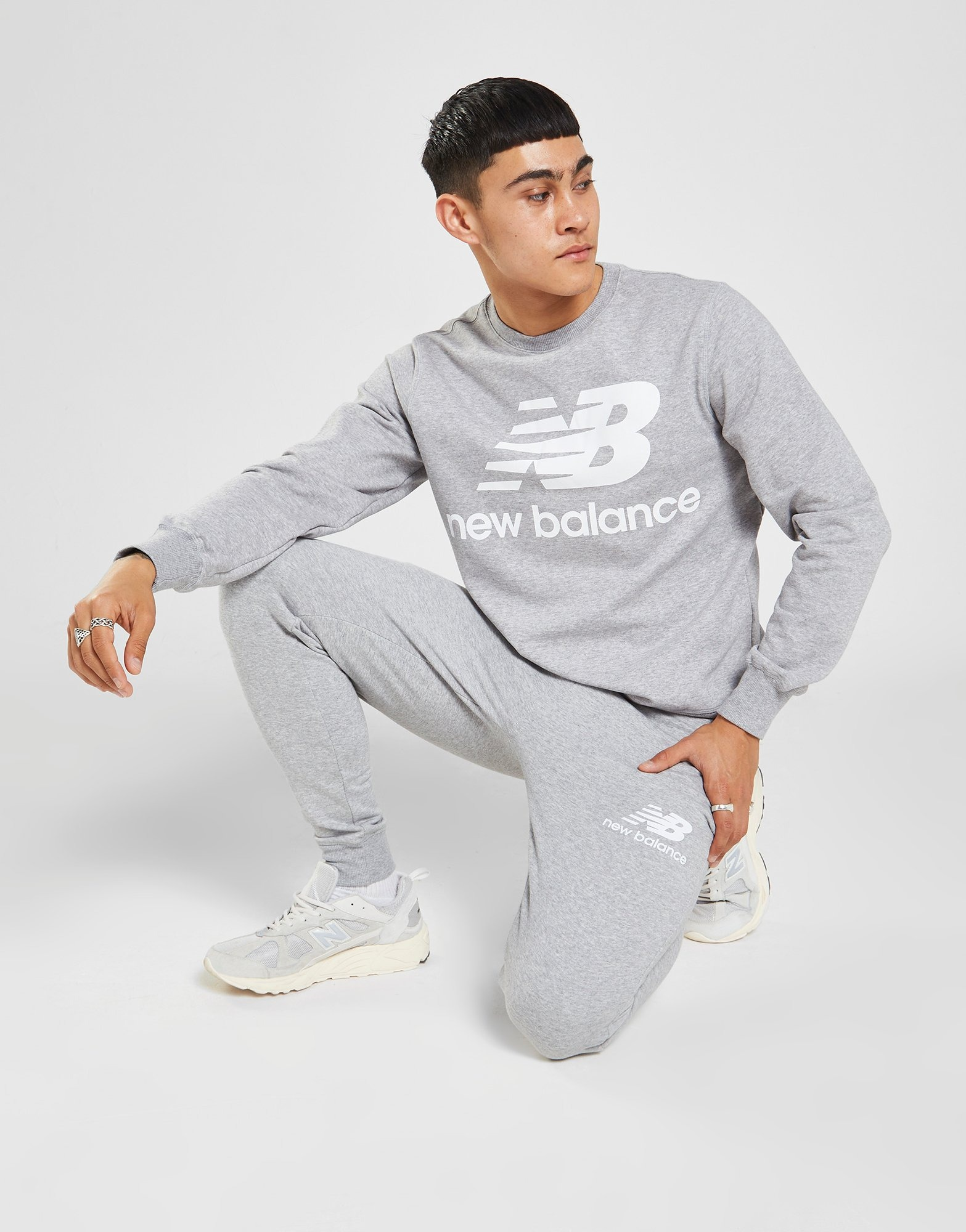 jogger new balance hombre