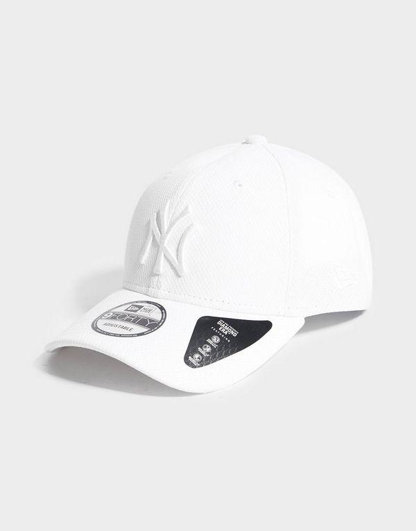 c29f9868560c5 New Era MLB New York Yankees 9FORTY Diamond Cap