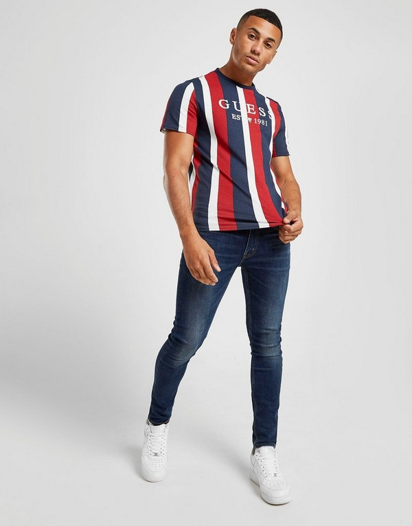 Acquista Guess Vertical Stripe T Shirt in Celeste | JD Sports
