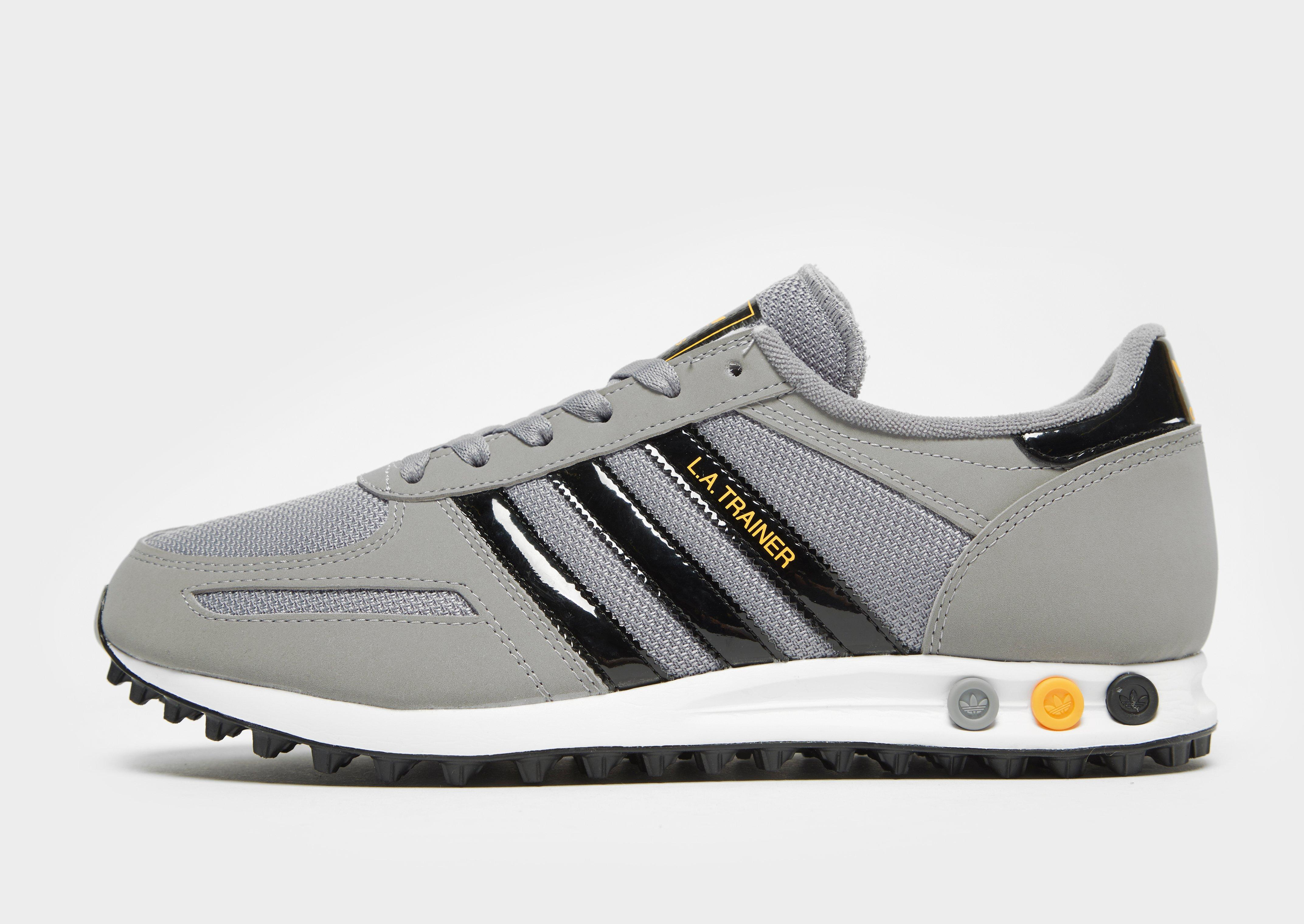 trainer adidas grigie