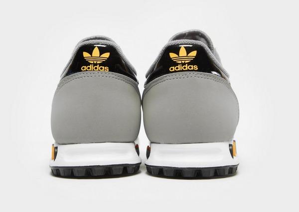 Shoppa adidas Originals LA Trainer OG Herr i en Grå färg