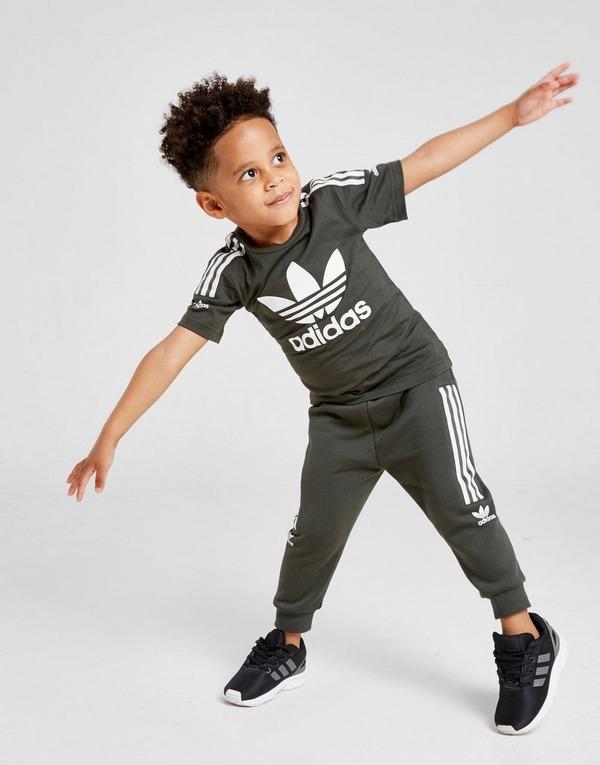 Shop den adidas Originals Trefoil Logo T Shirt Baby in Grün