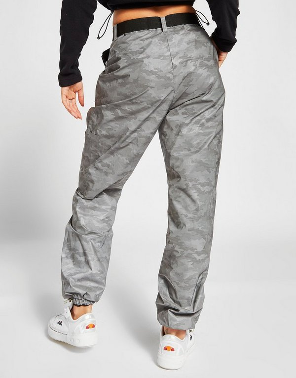 klassinen istuvuus sävyt korkealaatuinen Ellesse All Over Camo Print Cargo Pants