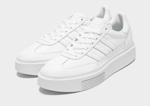 Shoppa adidas Originals Sleek Super 72 Dam i en Vit färg